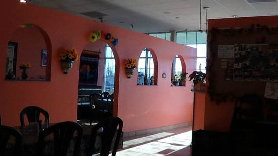 Chilo's Mexican Restaurant: Inside with separate party room