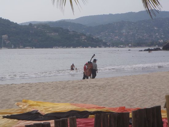 Viceroy Zihuatanejo: View of the beach