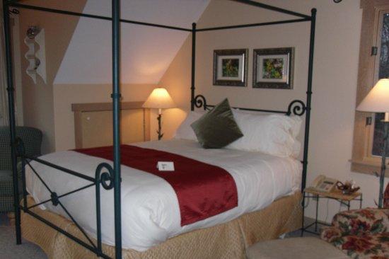 Glenlaurel, A Scottish Inn & Cottages: MacDonald Bedroom