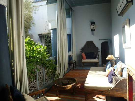 Riad Medea: reading corner