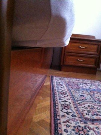 Pension Lechner: Matratze war zu groß für das Bettgestell, man lag praktisch schief im Bett