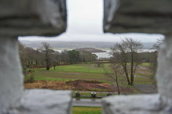 Castell Deudraeth: Through the arrow slot window.