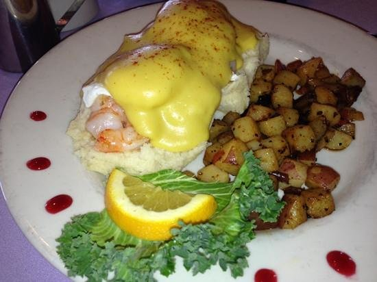 Caroline's Dining on the River: Shrimp Benedict was awesome!!