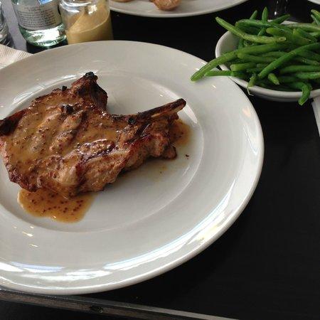 Brasserie M&R: Côte de Porc Grillées