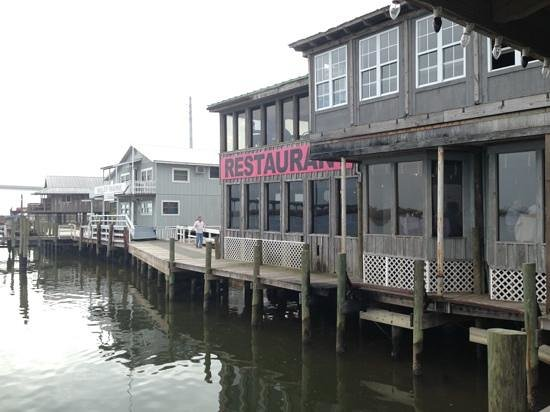 Caroline's Dining on the River: water front view