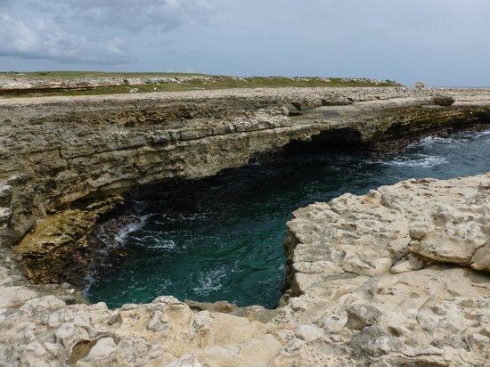 Luxury Safari Antigua: Devils Bridge