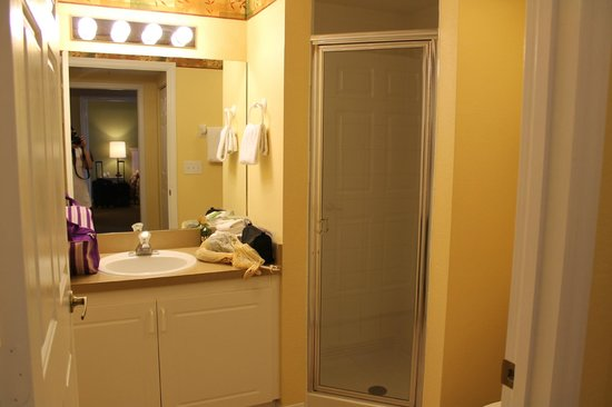 Holiday Inn Club Vacations At Orange Lake Resort: 2nd bathroom