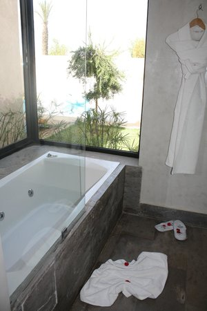 Sirayane Boutique Hotel & Spa: Salle de bain en villa