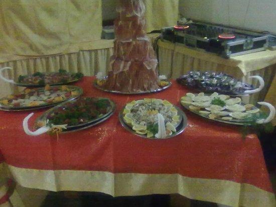 Hotel Denny : presentazione tavolo antipasti cenone di capodanno