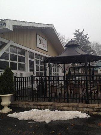 The Raven Art Hotel: outdoor patio