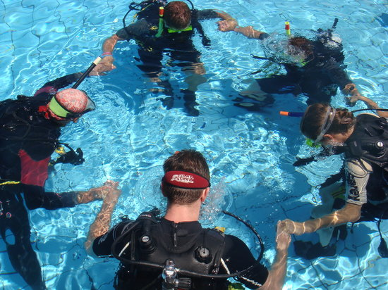 Camp Phoenix Scuba Diving: Training in the pool