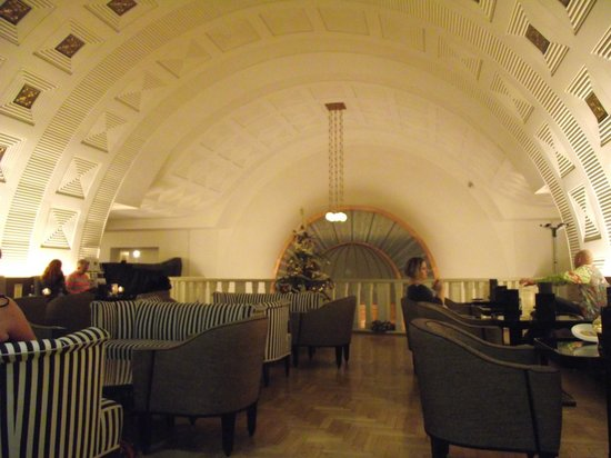 Continental Hotel Budapest: Lobby.