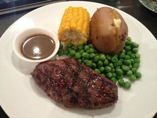 Tenderloins Bar and Grill: 300 Baht Steak