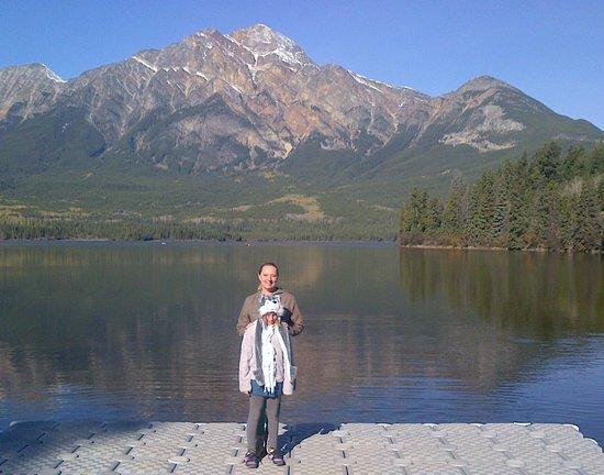 BEST WESTERN Jasper Inn & Suites: Pyramid Lake, Jasper Alberta