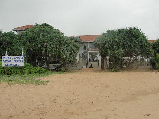 Hotel Marina Bentota: vue depuis la plage
