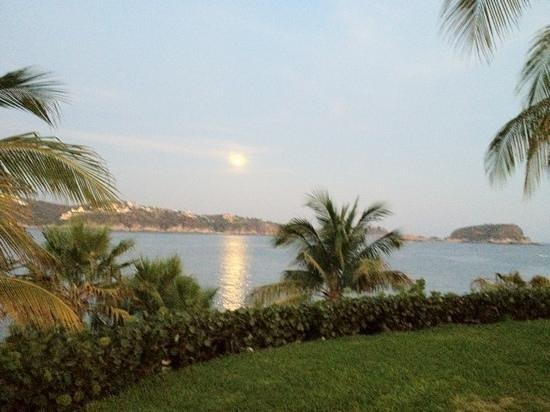 Las Brisas Huatulco: luna llena en Huatulco