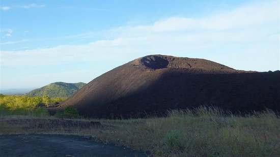 Telica Hiking Tours: Cerro Negro