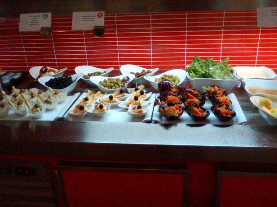 Holiday Polynesia: Salad bar 2