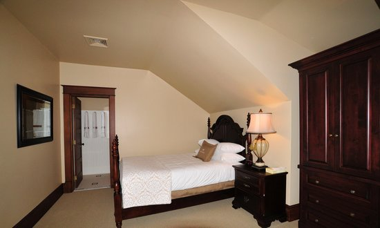 Sacajawea Hotel: Typical bedroom
