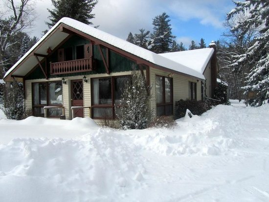 ADK Trail Inn: Snow Beautiful SNOW!