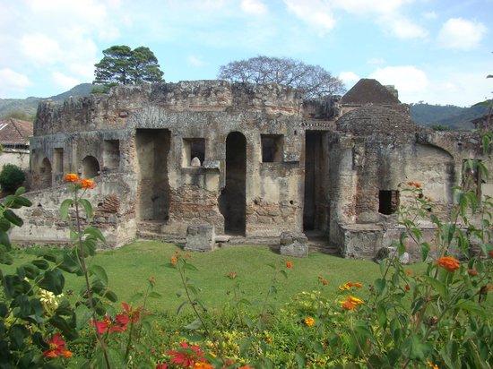 Couvent des Capucins : jardín del convento