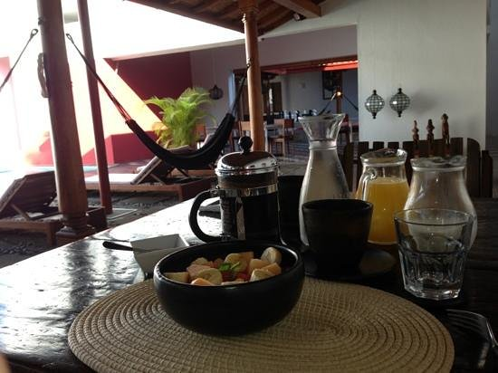 Los Patios Hotel : breakfast in one of the patios at the hotel