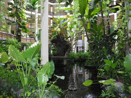Ayodya Resort Bali: Inside