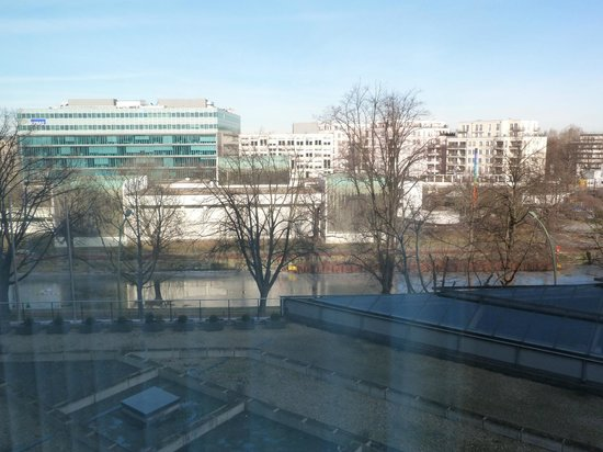 Sheraton Berlin Grand Hotel Esplanade: View from the room