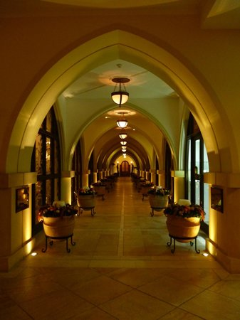 Elysium Hotel: Corridor