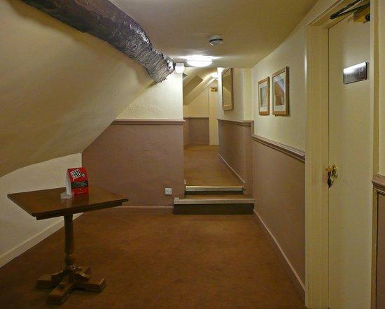 Unicorn Hotel: First Floor Corridor
