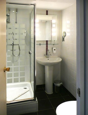Unicorn Hotel: Bathroom
