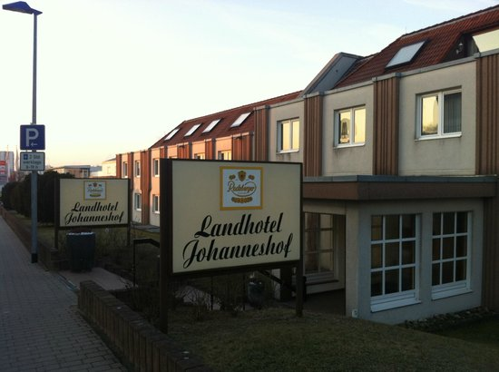 Landhotel Johanneshof: Outside