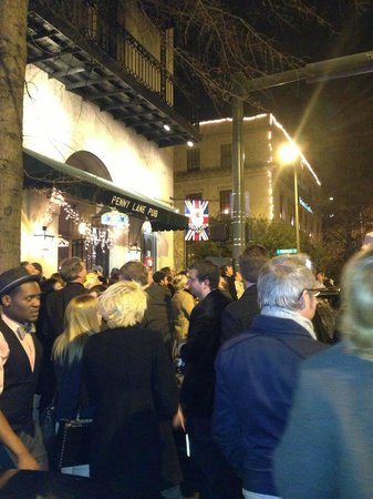 Penny Lane Pub: Fireworks outside just before midnight