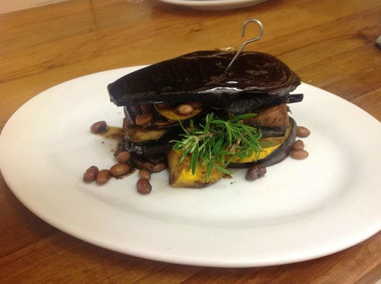 Kippilaw House: Egg-plant stack filled with grilled courgette, field mushroom, spinach, kumara and pomigranite s