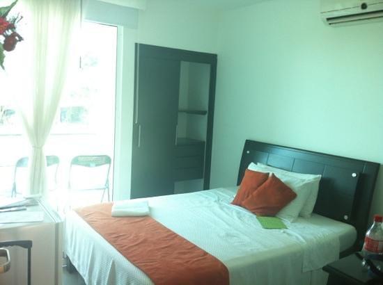 Puerto Lopez, Colombia: cuarto con balconcito
