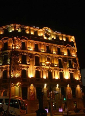 Silken Gran Hotel Havana: Exterior at night