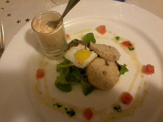 Il Ciabot: patè di anatra e frutta secca con spuma di fegato grasso