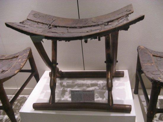 Sgabello pieghevole foto di museo egizio di torino torino