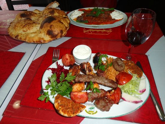 Sembol Meat House: Iskender Kebab and the Mixed Kebab Platter