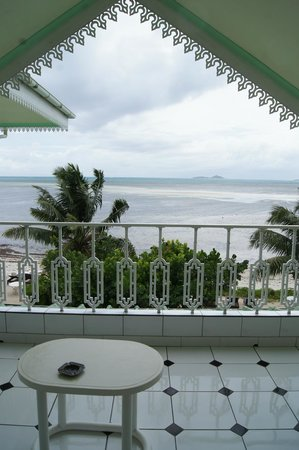 Palm Beach Hotel: balcony