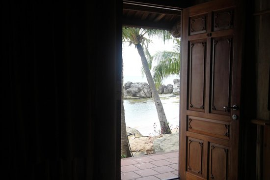 Rock Cove Boutique: View from room