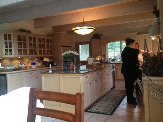 Lost Mountain Lodge : main kitchen
