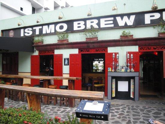 Hotel El Panama: Istmo Brewery a few blocks away