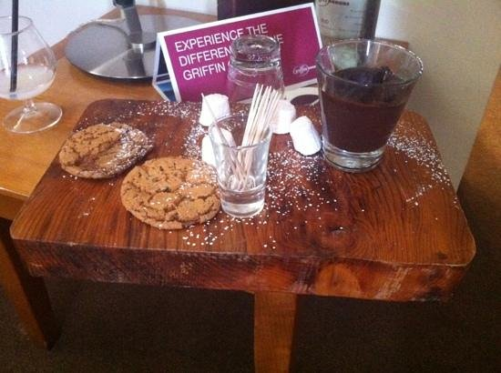 Ferrycarrig Hotel: demolished cookies and marshmallows