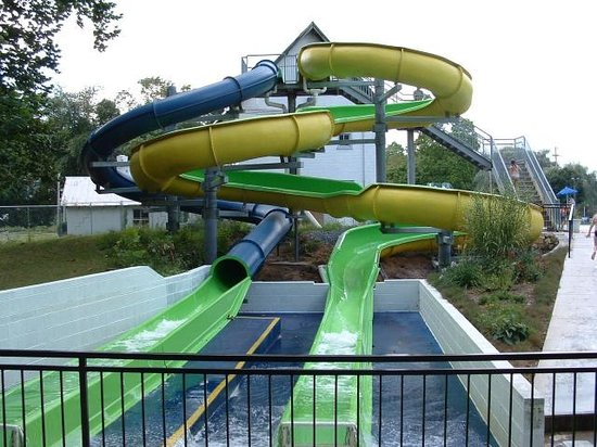 Boiling Springs Pool: Nightmare and Daydream Waterslides