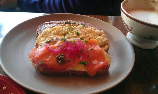 Della Fattoria Downtown: three toast special