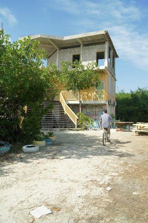 Sea Dreams Hotel: Ocean Academy, founded by hotel owner, visit on supplied hotel bikes