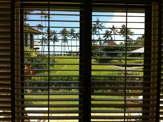 Kiahuna Plantation Resort: looking towards beach