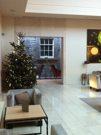 Carton House Hotel & Golf Club: Main entrance seating area