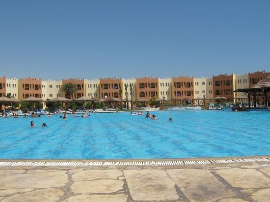 SUNRISE Select Royal Makadi Resort: Family Pool! My daughter loved it!